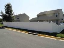 white-vinyl-pvc-fence-northern-va-1