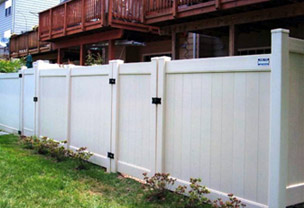Vinyl Fence Installed in Leesburg, VA by Hal Co Fence Contractor