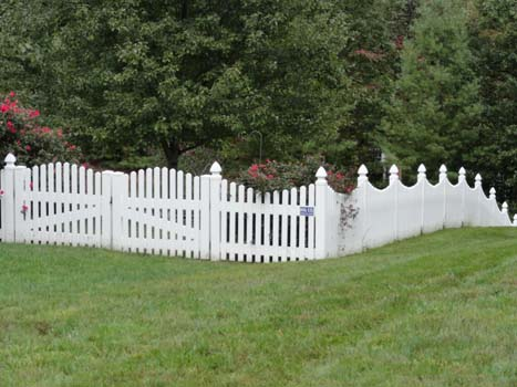 White Picket Fence Installed in Leesburg, VA